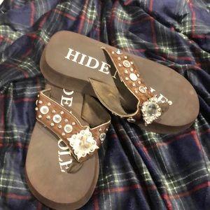 hide n sole